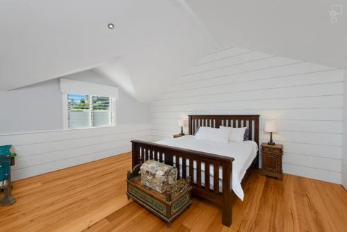 Main Bed